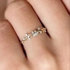 Cute simple dainty crystal swirl promise engagement wedding graduation ring fashion jewelry ideas for women in Stylish Jewelry, Jewelry Accessories, Jewelry Ideas, Fashion Rings, Fashion Jewelry, Gold Ring Designs, Antique Wedding Rings, Unique Diamond Rings, Accesorios Casual