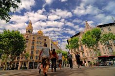 Top 10 must sees in Barcelona