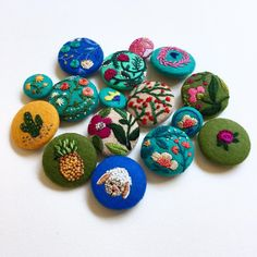 CREAMENTE - #buttons #embroidery