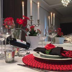 Restaurantes lotados na sexta-feira podem deixar o casal frustrado tanto com o pedido quanto com o atendimento. Veja como deixar a sua noite romântica de um modo bem mais em conta.
