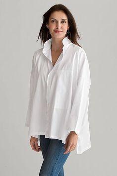 Signature Shirt: Planet Clothing: Cotton Woven Shirt - Artful Home Classic White Shirt, Crisp White Shirt, White Shirts, White Blazers, White Blouses, Over 50 Womens Fashion, Fashion Over 50, Look Fashion, Fashion Black