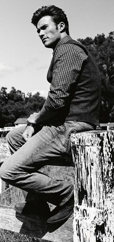 Scott Eastwood. He looks so much like his Dad. :')