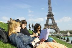 Features, tips and benefits of being a student in Paris