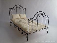 Miniature Doll Bed French Style in 1 6 Scale Blythe Barbie Bratz Momoko   eBay