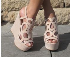#additionelleontheroad Tan wedge