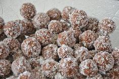 Rumkugeln Christmas Brunch, Christmas Cooking, Christmas Candy, German Baking, Austrian Recipes, German Recipes, Winter Food, Four, Sweet Life