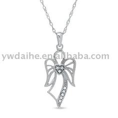 Angel & heart pendant