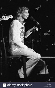 Barry Manilow performing at the Bottom Line in New York City on May 7, 1974