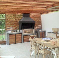 Buitenkeuken met hout en bbq