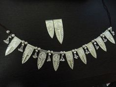 Thoranam Silver Lamp, Silver Trays, Gold Earrings Designs, Necklace Designs, Silver Pooja Items, Silver Furniture, Silver Ornaments, Silver Gifts, Jewelry Model