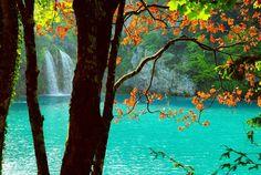 Plitvicka jezera otra vez. #plitvicelakes #plitvickajezera #nationalpark #nature #Croatia #lovecroatia #livecroatia #Travel #instatravel #summerholidays #waterfall #turquoise #fb #nationalnipark #croatiafullofcolours #igtravel #fujix #fujifilm_xseries #fujixnet #passionpassport #lonelyplanet