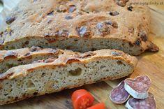 Bezlepkový olivový chlieb s lahodnou chuťou pripominajúci leto v Stredomorí. Aj keď už všetci októbrujeme pre čo nedať malý návrat k letu. Tento olivový c