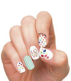 Pop heart nails