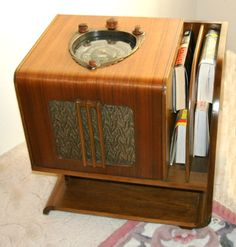 This is a 1938 Zenith chairside radio model 7-S-