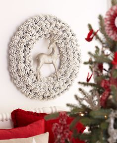 Decorating: Holiday Wreaths