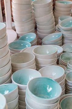 Love these bowls........Töpferei Sa Roca Llisa in Pòrtol - Traditionelles Handwerk auf Mallorca - Geheim-Tipp