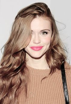 Looking Beauty Holland Roden Crystal Reed, Scott Mccall, Jacqueline Fernandez, Jennifer Lawrence, Taylor Swift, Lydia Martin Style, Divas, Teen Wolf Cast, Beauty And Fashion