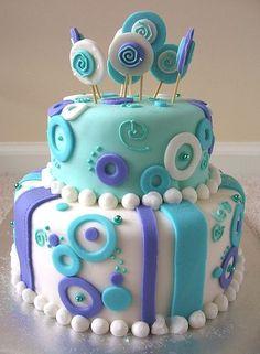 Fondant circles cake Owl Cake Cakes like this make me want to take a cake decorating class. Pretty Cakes, Cute Cakes, Cake Cookies, Cupcake Cakes, Baby Cakes, Circle Cake, Cake Boss, Novelty Cakes, Love Cake