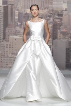 Rosa Clara Bridal Barcelona Collection – OMG, beautiful.  I see pants. Get that designer look without the designer $$$, have it custom-made. Work with your seamstress to achieve this look.