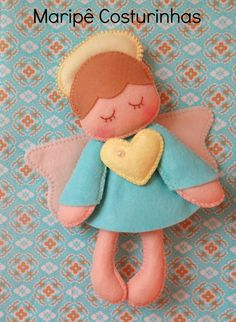 Maripê: ANJO DE FELTRO - molde Felt Diy, Felt Crafts, Diy And Crafts, Felt Christmas Ornaments, Christmas Crafts, Diy Angels, Felt Angel, Angel Crafts, Felt Patterns