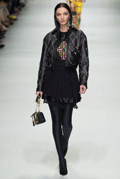 Versace Spring-Summer 2018  #fashionweeks #milano #milanfashionweek #fashion #runway #thepinkpineappleblog #versacerunway