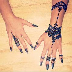 Henna @stephanieeblanchard