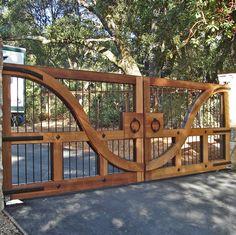 Wood & Steel Bar Driveway Gate