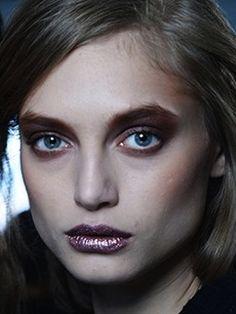Fall 2014 Beauty Trends: Metallic Lipstick