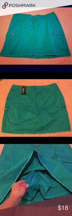 "Lane Bryant 💙 Dark Aqua Denim Skirt Skort Shorts NWT. Lane Bryant ""Skort"" -- looks like a skirt, but has shorts underneath for a ""safe"" mini skirt alternative LOL. Size 16. Thin cotton denim with a bit of spandex to give it stretch where you need it. Length = 18"". NEW. Lane Bryant Shorts Skorts"