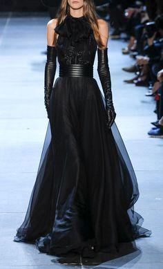 Saint Laurent Paris Fashion Week 2012            (via TumbleOn)