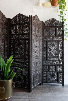 charming indian decor ideas for home how to manage indian home design perfectly in your ordinary home Indian Home Interior, Indian Interiors, Indian Home Decor, Moroccan Decor, Indian Room, Home Design, Home Interior Design, Interior Decorating, Design Room