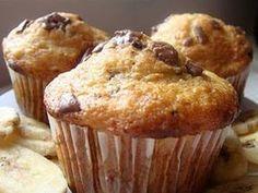 Briose cu banane si ciocolata, poza 2 New Recipes, Cookie Recipes, Dessert Recipes, Easy Recipes, No Cook Desserts, Pastry Cake, Muffin, Vitamins, Deserts