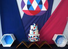 Geometric wedding cake (from Gateaux sur Mesure Paris - Formations Cake Design, Ateliers pâte à sucre, Wedding Cakes, Gateaux d'Exposition)