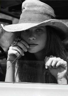Fashion pictures or video of Behati Prinsloo: Twin in the fashion photography channel 'Photo Shoots'. Mode Country, Country Girls, Country Style, Sombrero Cowboy, Tilda Lindstam, Hippy Chic, Behati Prinsloo, Love Hat, Cool Hats
