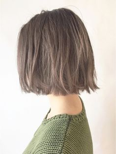 タンバルモリワンサイドグレーベージュ×外ハネボブ_ba17846/ALBUM SHIBUYA【アルバム シブヤ】をご紹介。2017年春の最新ヘアスタイルを100万点以上掲載!ミディアム、ショート、ボブなど豊富な条件でヘアスタイル・髪型・アレンジをチェック。