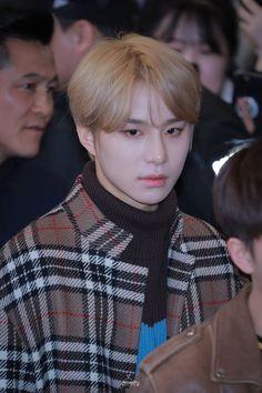 🍂Aesthetic brown Jungwoo🍁 airport  #JUNGWOO #정우 #NCT2018 #NCT127 #NCT #엔씨티127 #brownjungwoo #brownuwu Appreciation Post, Nct Taeyong, Jung Woo, Winwin, My Sunshine, Jaehyun, Nct 127, Rapper, Handsome