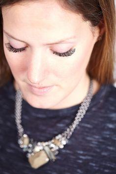 Lisa's beeindruckende Wimpern! In Düsseldorf sorgen Aquaro-Die Wimpernprofis stolz für die perfekte Wimpernverlängerung, die in Synthese zu Lisa's natürlicher Schönheit steht. Teil 2