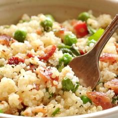 Spring Quinoa Salad with Honey Lemon Vinaigrette - Pinch of Yum Easy Cooking, Healthy Cooking, Healthy Eating, Cooking Rice, Cooking Recipes, Vegetarian Cooking, Cooking Ideas, Crockpot Recipes, Feta