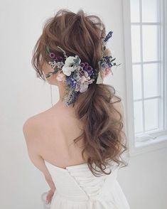 80 Bob Hairstyles To Give You All The Short Hair Inspiration - Hairstyles Trends Bridal Hairdo, Bridal Hair Pins, Hair Upstyles, Hair Arrange, Hair Decorations, Floral Hair, Bride Hairstyles, Hair Dos, Hair Trends