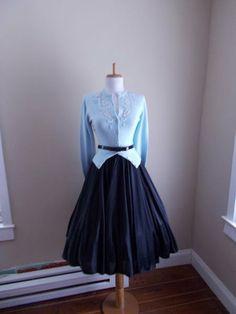 VINTAGE 1950s 1960s Silky Black Full Skirt by bluebarnvintage, $23.95
