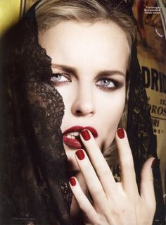 Eva Herzigova Vanity Fair Spain