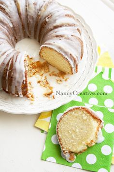 Pound Cake with Lemon-Lime Glaze. The best pound cake recipe. Secret is to beat the butter and sugar for a long long time-until fluffy. Pound Cake Glaze, 7up Pound Cake, Glaze For Cake, Lemon Desserts, Just Desserts, Delicious Desserts, Yummy Food, Cupcakes, Cupcake Cakes