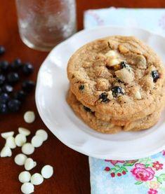 Cinnamon-Blueberry-Biscoff-Breakfast-Cookies-15