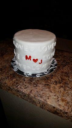 Love Valentines day cake