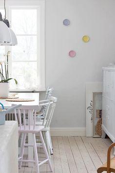 kolor ściany do pokoju Poli (np jedna ściana taka gołębia)