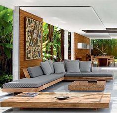 sofá + mesa ;)