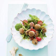 Blattsalat mit Pfifferling-Gnocchi und Tomaten