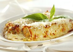 Pumpkin and ricotta cannelloni Fish Recipes, Seafood Recipes, Cooking Recipes, Italian Dishes, Italian Recipes, Queso Ricotta, Pasta Casera, Ways To Cook Chicken, Tater Tots