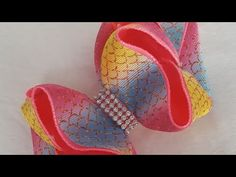 YouTube Baby Knitting Patterns, Bow Tutorial, Diy Hair Bows, Diy Hairstyles, Diy And Crafts, Baby Shoes, Youtube, Satin Bows, Hair Decorations