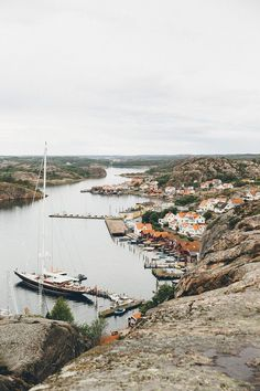 Fjällbacka, one of the must see villages on the Swedish West Coast. Places To Travel, Places To Go, Sweden Travel, Ireland Landscape, Slow Travel, Travel Humor, Photo Journal, Roadtrip, Greatest Adventure